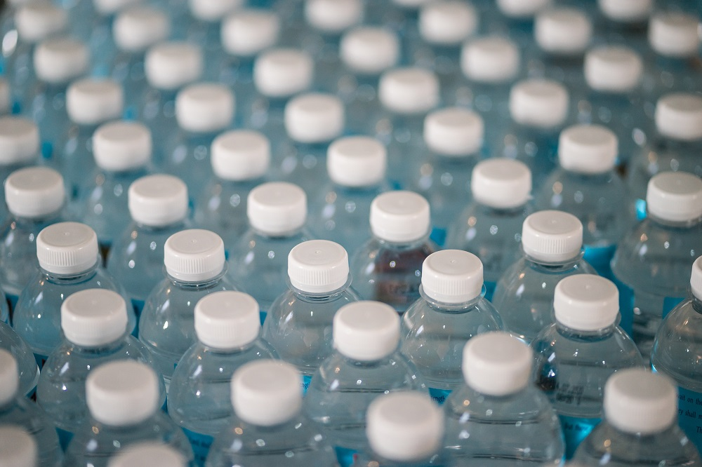 plastové lahve
