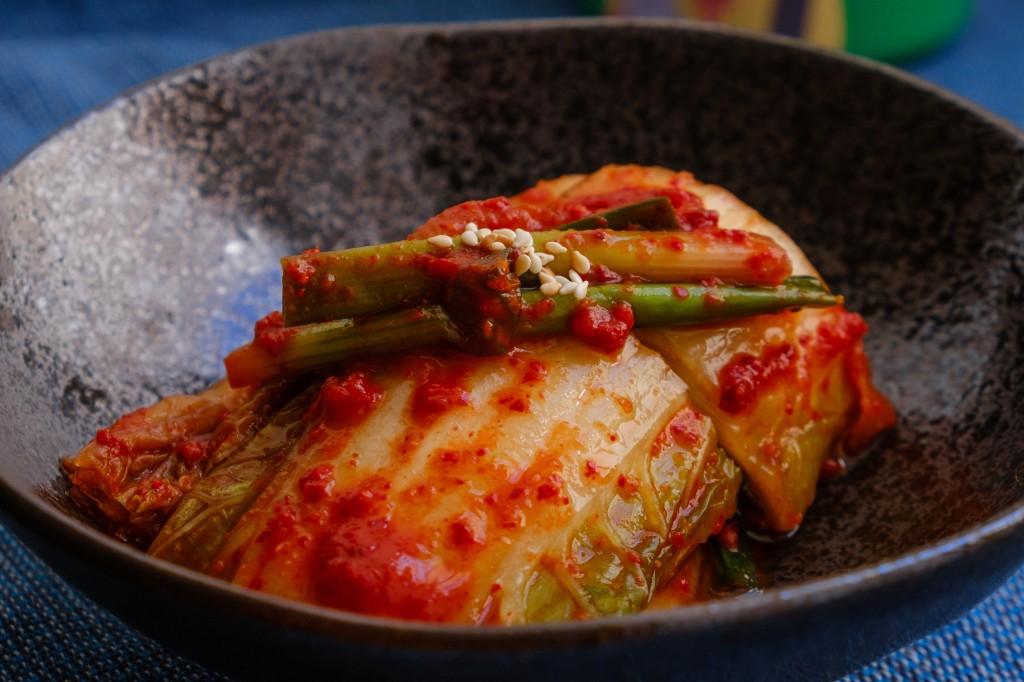 Kysané potraviny jako například kimchi obsahují spoustu probiotik,
